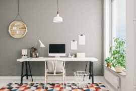 Minimalistisch eingerichtete Wohnung
