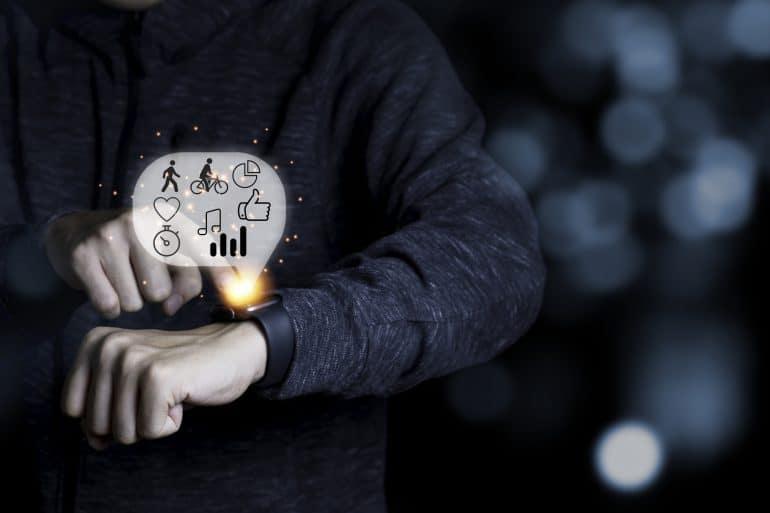 Smart Watch am Arm eine Mannes